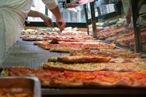 Pizza-a-taglio-by-Daniele-Muscetta-on-Flickr