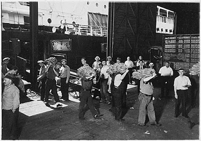 Photo of bananas being unloaded in New York, from U.S. National Archives Flickr page
